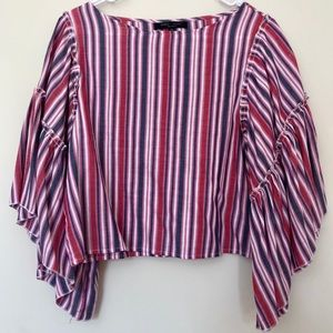 Romeo & Juliet Couture Top With Accent Sleeves SzM